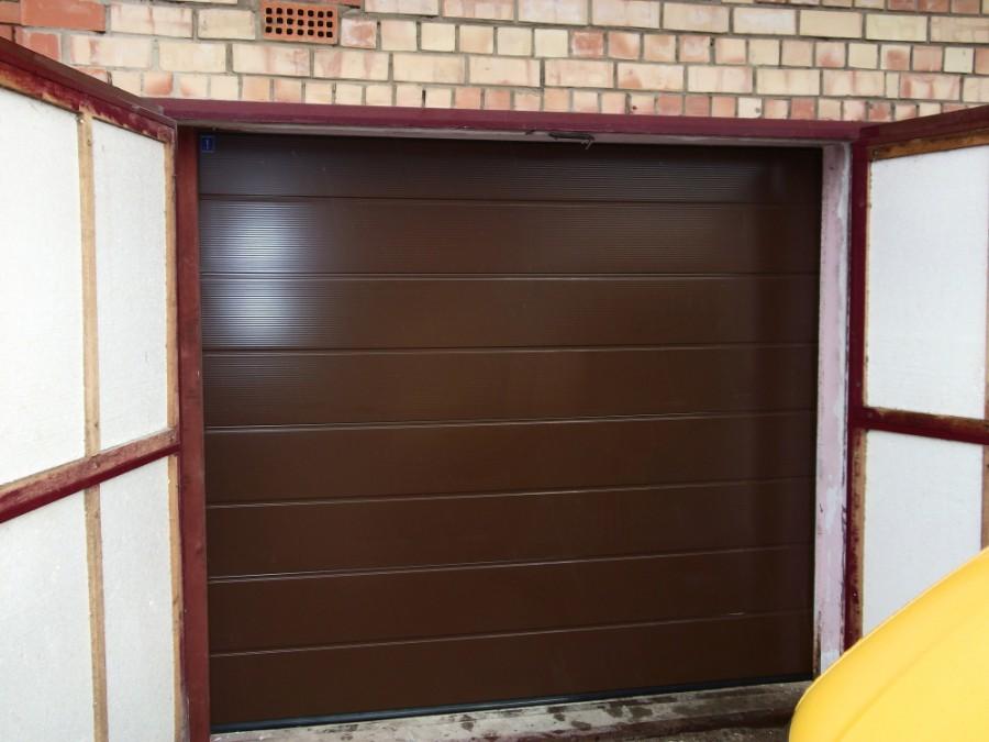 замена распашных ворот на секционные в гараже